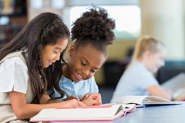 educacio-escuela-maestros-estudiantes (3)